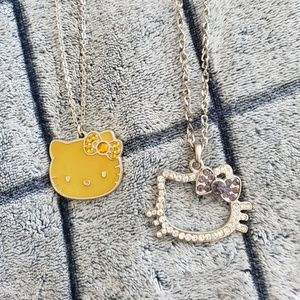 ⭐HELLO KITTY NECKLACE BUNDLE⭐